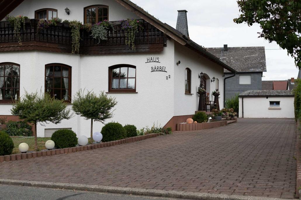 """Eigener Parkplatz für unsere Gäste - Appartement """"Haus Bärbel"""""""